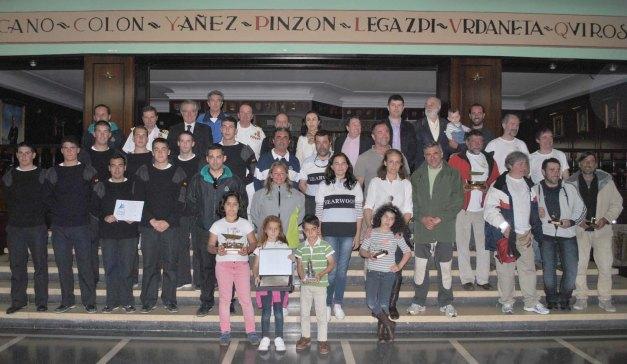 Foto de familia ganadores (MEDIOS)