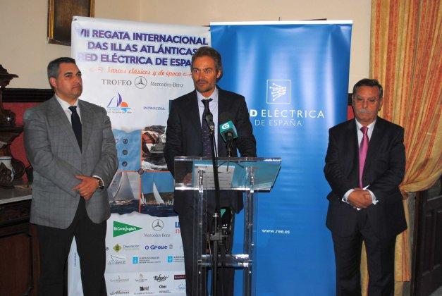 Presidente Club, Ulises Bértolo entre Alcalde Cambados y Presidente Red Elecxtrica (Medios)